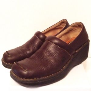 Born Wedge Loafer, Brown Pebble Leather - 10 w9550